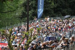 Sunday crowds at the Grand Prix de Pau