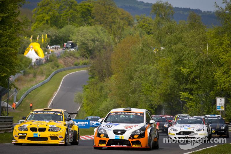 Formatieronde: #106 MSC Rhön e.V. im AvD BMW Coupé: Pierre de Thoisy, Thierry Depoix, Kurt Thiel, In