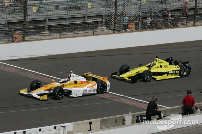 Ryan Hunter-Reay, Andretti Autosport Chevrolet en Josef Newgarden, Sarah FisherHartman Racing Honda