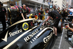 Kimi Raikkonen, Lotus F1 on the grid