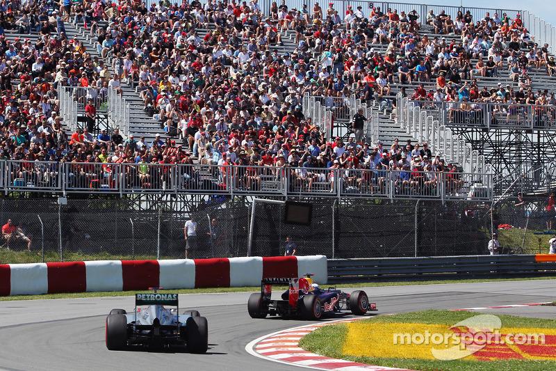 Sebastian Vettel, Red Bull Racing voor Michael Schumacher, Mercedes AMG F1