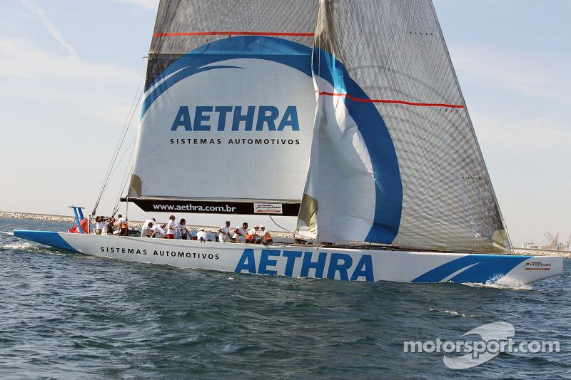 Sahara Force India F1 Team op de Aethra America's Cup boot