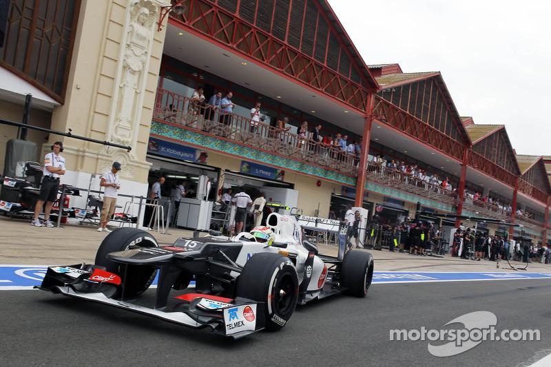 Sergio Pérez, Sauber sale de pits