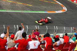 Fernando Alonso, Ferrari passeert fans