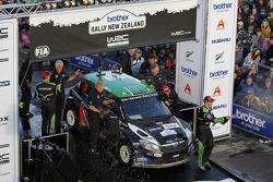 Podium: Hayden Paddon and Johnathan Kennard, Skoda Fabia