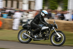 John Surtees, Norton F-Type, Prototyp