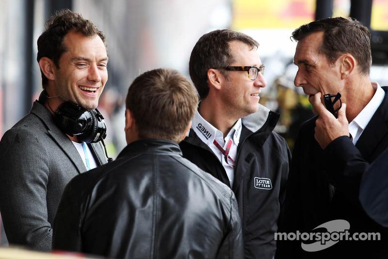 Jude Law, acteur met Lotus F1 Team