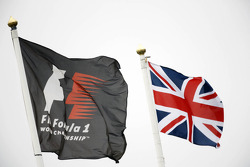 F1 and Union flags