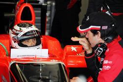 Max Chilton, Marussia F1 Team testrijder met Marc Hynes, Marussia F1 Team Driver Coach