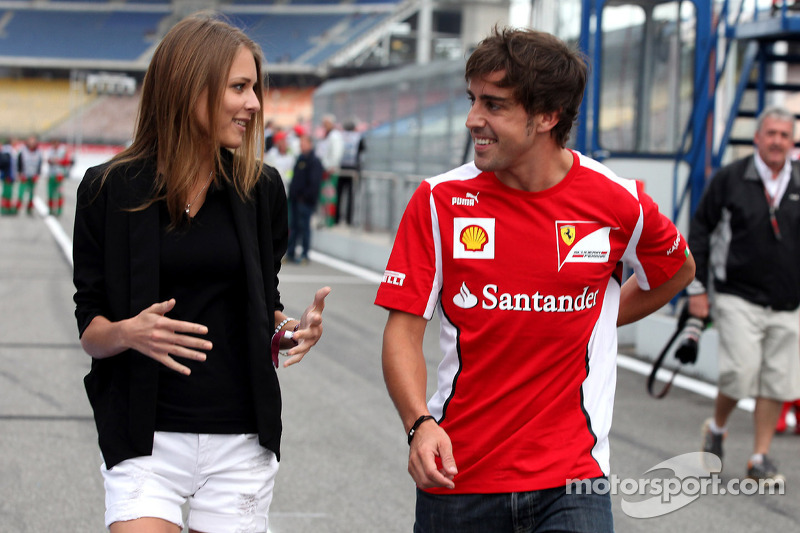 Fernando Alonso, Scuderia Ferrari met vriendin Dasha Kapustina