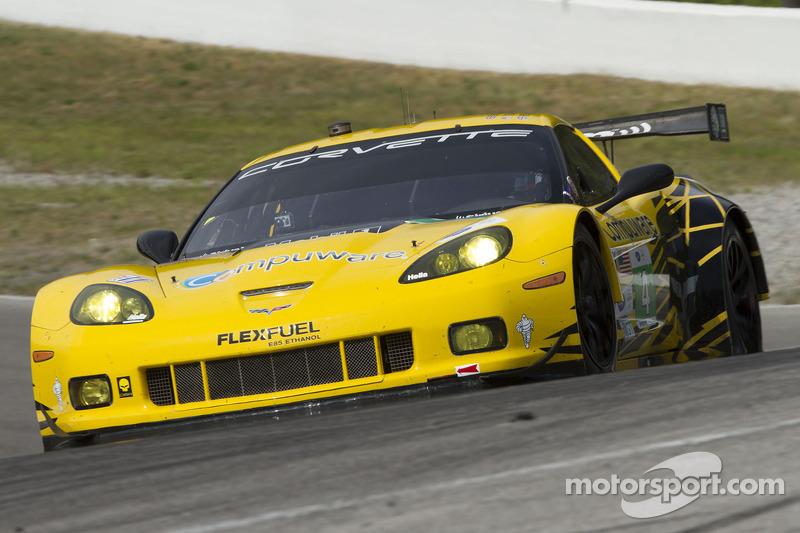 #4 Corvette Racing: Oliver Gavin, Tom Milner