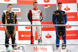 Podium: race winner Patric Niederhauser, second place Conor Daly, third place Kevin Ceccon
