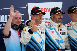 Podium: race winner Yvan Muller, second place Alain Menu, third place Robert Huff