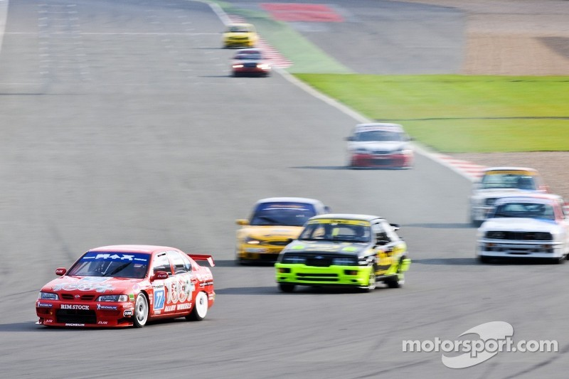 Touring car action