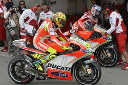 Valentino Rossi, Ducati Marlboro Team and Nicky Hayden, Ducati Marlboro Team