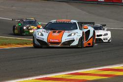 #69 Gulf Racing UK McLaren MP4-12C GT3: Roald Goethe, Jamie Campbell-Walter, Stuart Hall