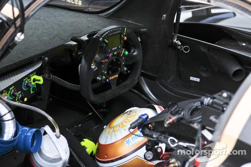 Interieur van de Lola-Toyota B12/60