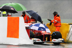 The Ferrari of Felipe Massa, Ferrari stopped at the pitlane entrance in the first practice session