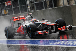 Jenson Button, McLaren verlaat de pits