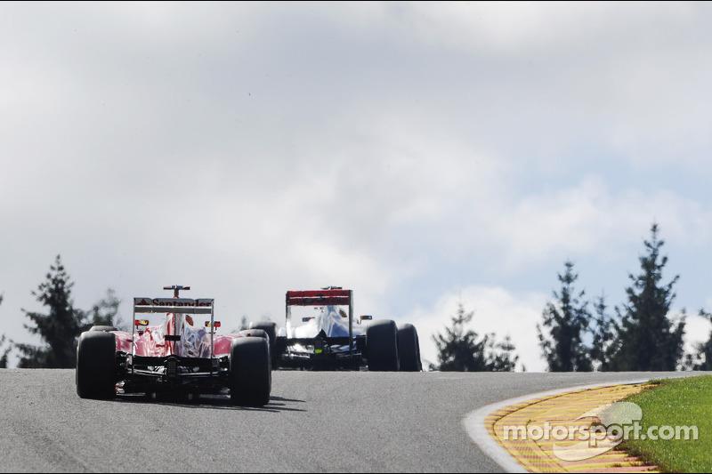 Lewis Hamilton, McLaren voor Fernando Alonso, Ferrari