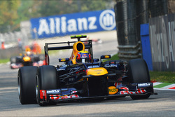 Mark Webber, Red Bull Racing aan de leiding voor ploegmaat Sebastian Vettel, Red Bull Racing
