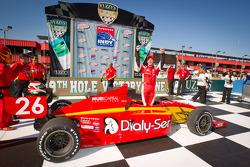 Victory lane: race winner Carlos Munoz, Andretti Autosport celebrates