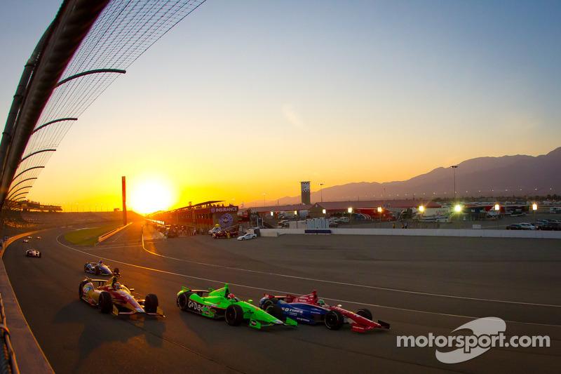 Sebastian Saavedra, AFS Racing/Andretti Autosport Chevrolet, James Hinchcliffe, Andretti Autosport C