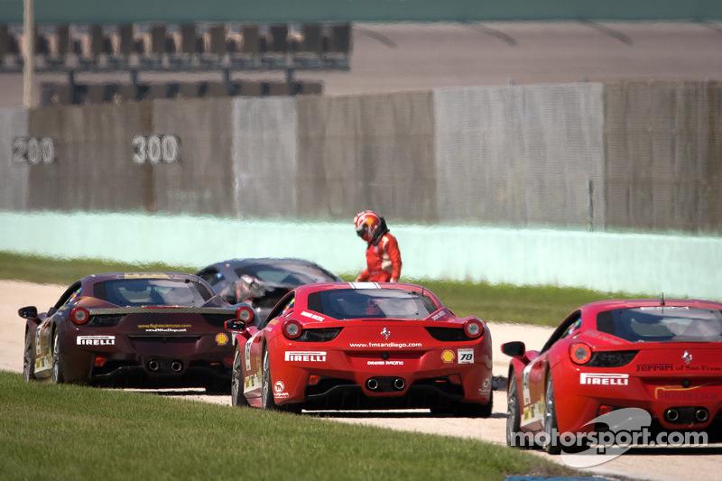 Zware crash voor #00 Ferrari of Houston 458TP: Owen Kratz, coach Anthony Lazzaro