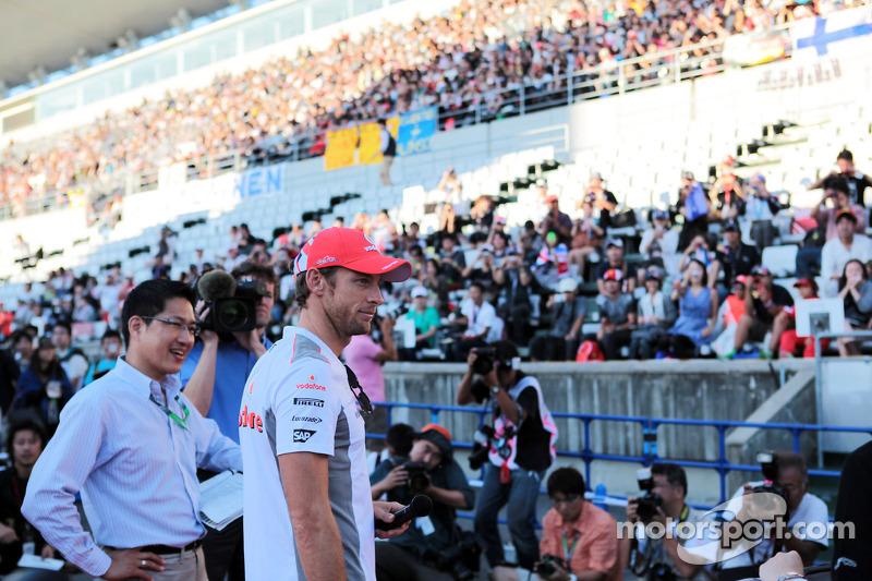 Jenson Button, McLaren met fans