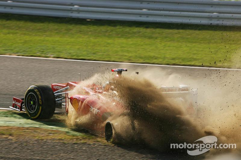 Fernando Alonso, Ferrari crash bij de start