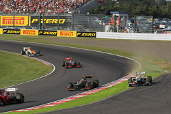 Sergio Perez, Sauber runs wide after battling for position with Kimi Raikkonen, Lotus F1