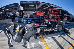 Pit stop for #95 Level 5 Motorsports HPD ARX-03b HPD: Scott Tucker, Christophe Bouchut, Luis Diaz