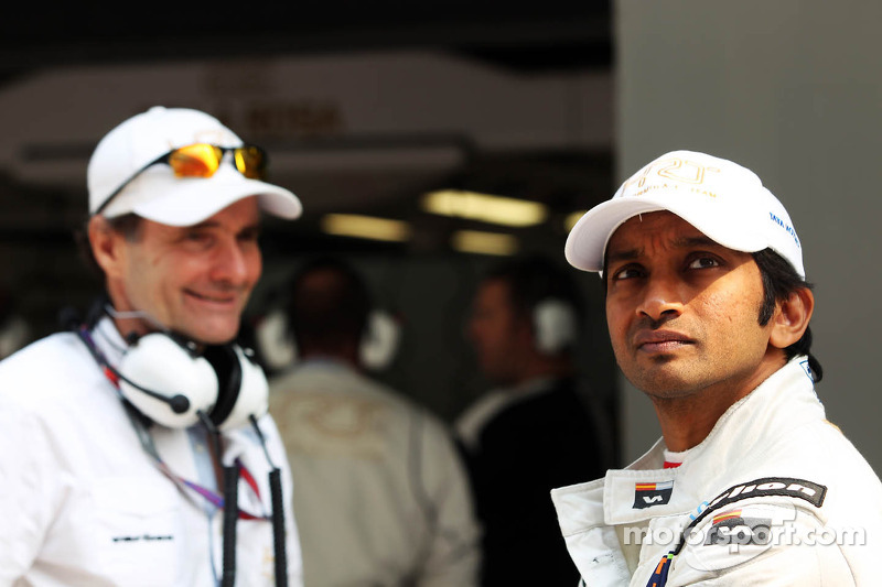 Luis Perez-Sala, HRT Formula One Team, Team Prinicpal with Narain Karthikeyan, Hispania Racing F1 Team