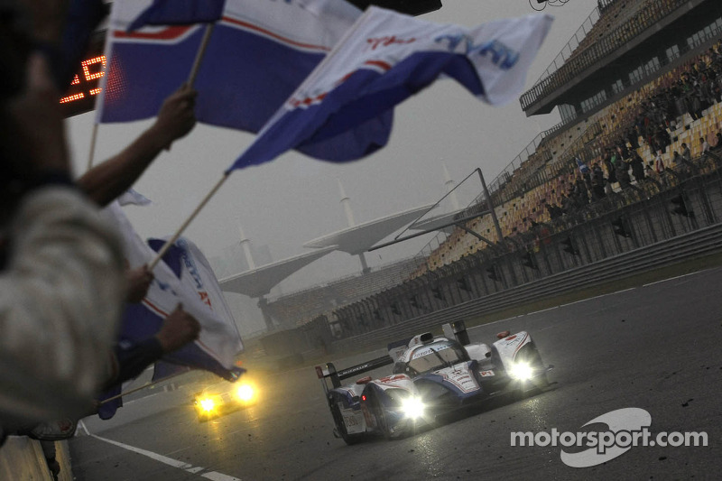 #7 Toyota Racing Toyota TS030 Hybrid: Alexander Wurz, Nicolas Lapierre take the win