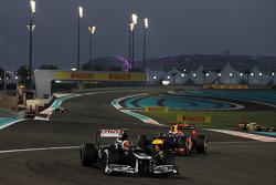 Bruno Senna, Williams leads Sebastian Vettel, Red Bull Racing
