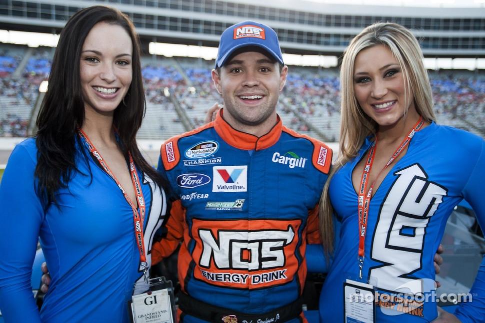 Ricky Stenhouse Jr. with the lovely NOS girls