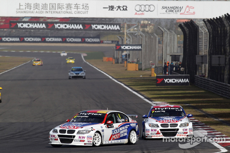 Franz Engstler, BMW 320 TC,  Liqui Moly Team Engstler en Charles Ng, BMW 320 TC, Liqui Moly Team Engstler