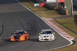 Norbert Michelisz, BMW 320 TC, Zengˆ Motorsport and Ka Liu Lic Ka, BMW 320si, Liqui Moly Team Engstler