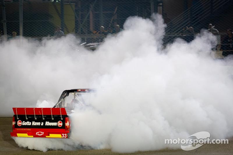 Race winner Cale Gale, Eddie Sharp Racing Chevrolet celebrates