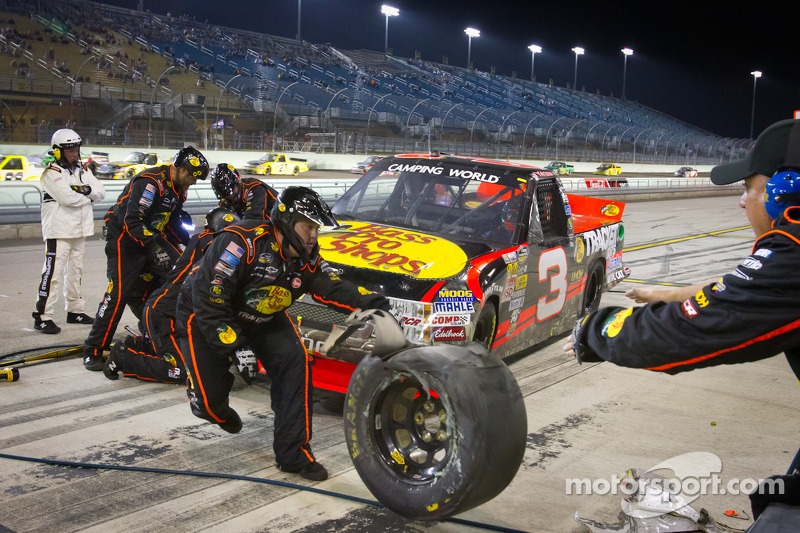 Ty Dillon, Richard Childress Racing Chevrolet in the pit with damage
