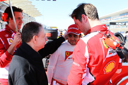 Jean Todt, FIA President with Felipe Massa, Ferrari and Rob Smedley, Ferrari Race Engineer on the grid