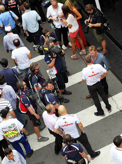 Simon Lazenby, Sky Sports F1 TV Presenter with Charlie Whiting, FIA Delegate
