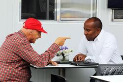 Niki Lauda, Mercedes, con Anthony Hamilton