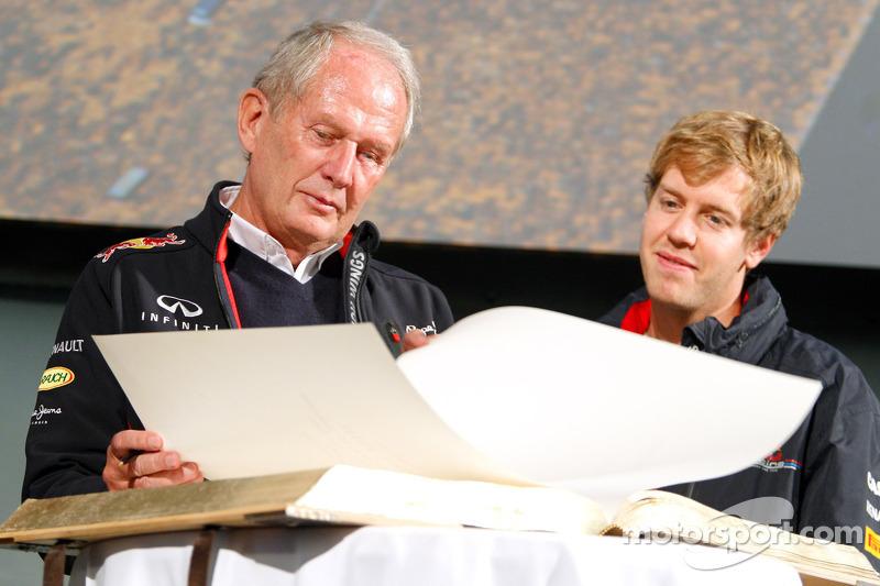 Sebastian Vettel, Red Bull Racing met Dr. Helmut Marko