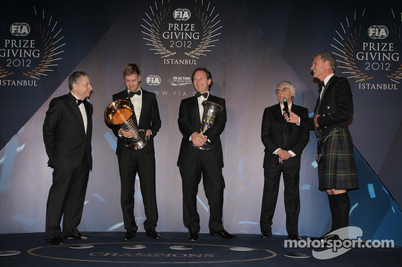 Дэвид Култард и Себастьян Феттель. Церемония награждения FIA, Стамбул, Турция, Особое мероприятие.