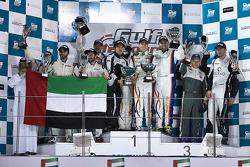 GTX podium: winnaars Roberto Rayneri, Luca Magnoni, Luis Scarpaccio, Matteo Cressoni