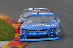 Kyle Larson, Chip Ganassi Racing Chevrolet and Ty Dillon, Richard Childress Racing Chevrolet