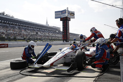 Ed Jones, Dale Coyne Racing Honda, pit stop