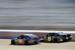 Kyle Busch, Joe Gibbs Racing Toyota, Derrike Cope, Premium Motorsports Chevrolet