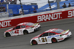 Kyle Larson, Chip Ganassi Racing Chevrolet, Ryan Blaney, Wood Brothers Racing Ford